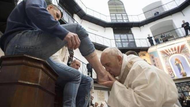 L'anno scorso il Papa era a Regina Coeli per la lavanda dei piedi