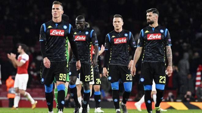 I giocatori del Napoli dopo l'andata di Europa League contro l'Arsenal (Ansa)