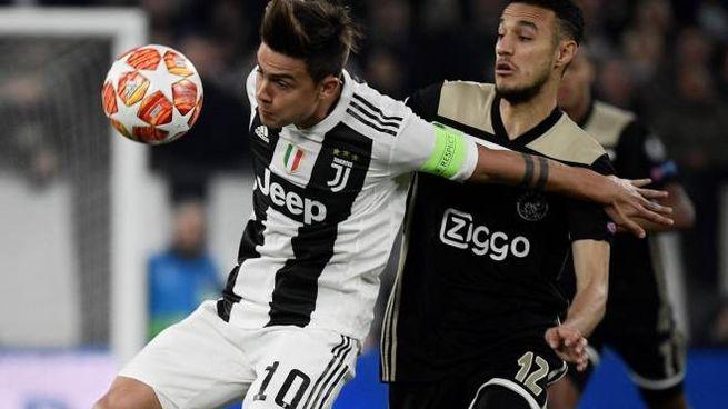 Dybala in azione contro l'Ajax