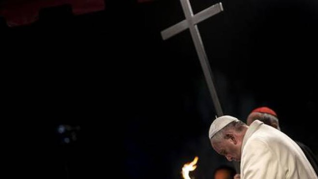 Papa Francesco, Via Crucis al Colosseo