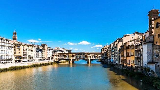 Vigilia di Pasqua di sole. Nella foto: bel tempo a Firenze.