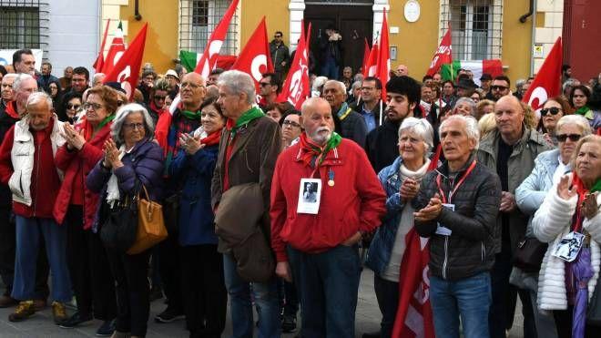 La manifestazione dell'Anpi per la LIberazione di Massa