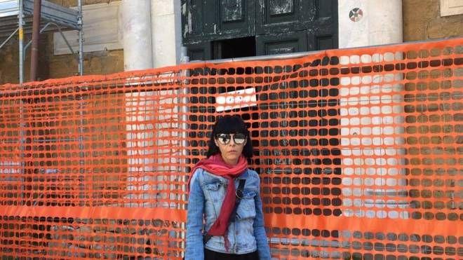 L'ingresso del duomo di Volterra. La chiesa potrà riaprire i battenti il prossimo 22 settembre