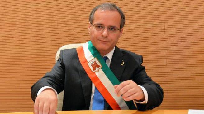 Il sindaco   Alessandro Fagioli