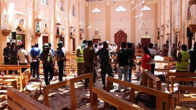 Sri Lanka, la chiesa di San Sebastiano a Negombo dopo l'esplosione (LaPresse)