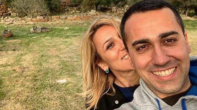 Luigi Di Maio con Virginia Saba in Sardegna (Ansa / Instagram)