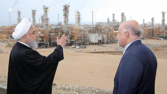 Il presidente iraniano Hassan Rouhani e il ministro Bijan Zanganeh inaugurano un impianto