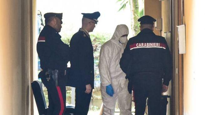 Tentato omicidio a Modena, i carabinieri sul posto (FotoFiocchi)