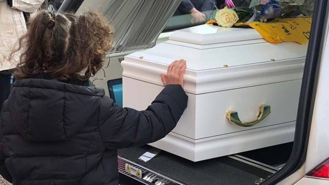 Commozione al funerale del piccolo Paolo Balzani (Foto Corelli)