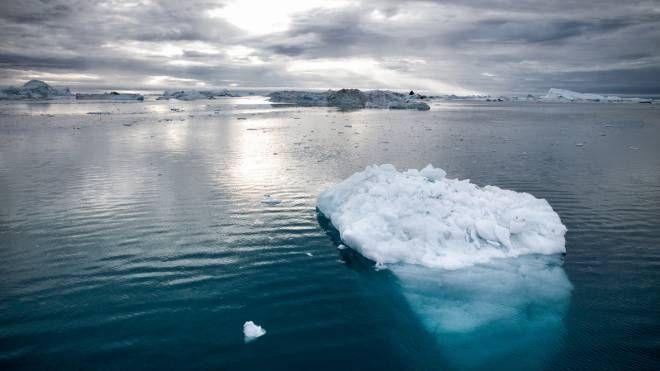 Il ghiaccio della Groenlandia scompare in mare