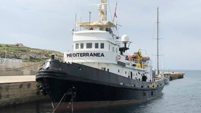 La nave mare Jonio (Ansa)