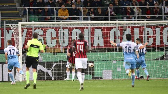 Milan-Lazio, il gol di Correa (Newpress)