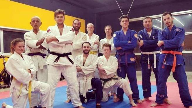 Gianmarco Forò, di Monte Giberto, col gruppo di allievi