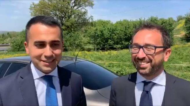 I ministri Di Maio e Bonafede nella diretta Facebook dopo l'incidente