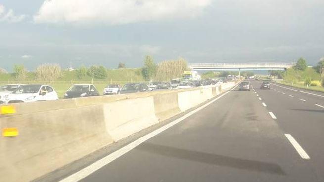Traffico intenso in A14 per il rientro dal lungo ponte del 25 aprile