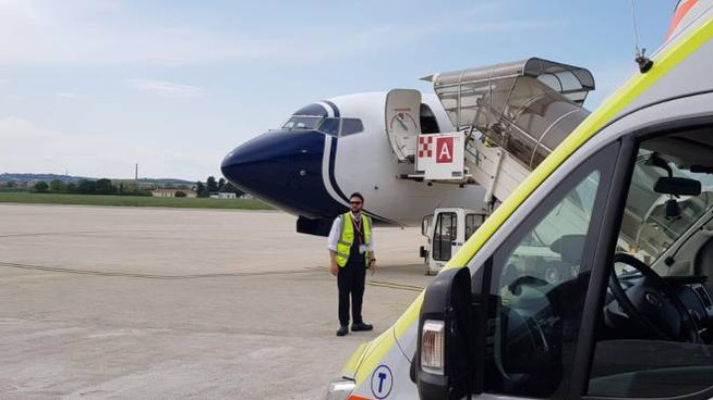 L'atterraggio di emergenza a Falconara