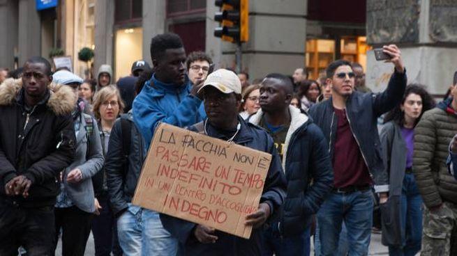 Una manifestazione di protesta dei migranti