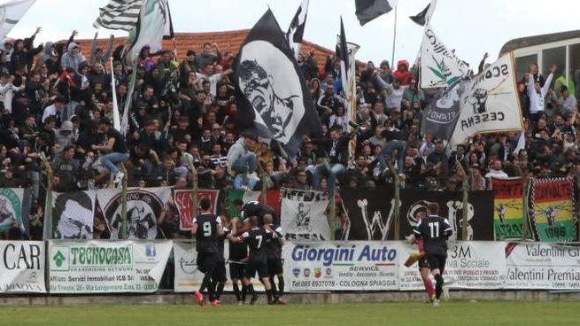Cesena in Serie C, festa promozione con i tifosi (Foto Ravaglia)