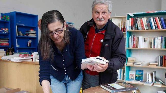 Anna Rosa Persiani e Paolo Caccìa preparano gli scatoloni: domenica era l'ultimo giorno