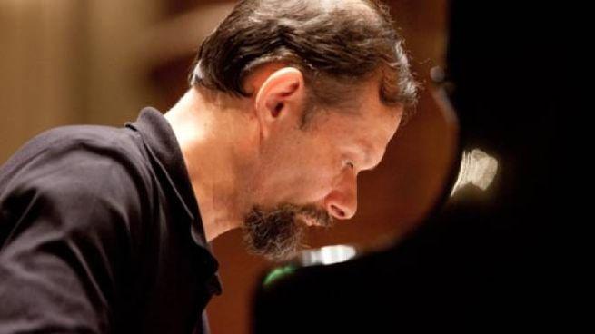 Il pianista Enrico Pace