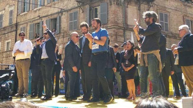 Salvini sul palco
