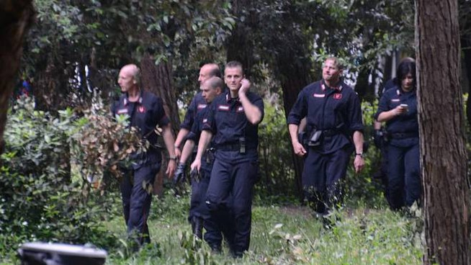Un pattugliamento antidroga della polizia in pineta di ponente