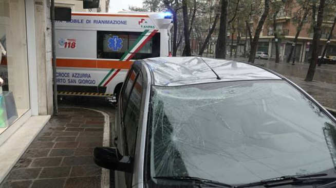 Porto San Giorgio, l'anziano è caduto dal balcone (foto Zeppilli)