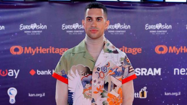 Mahmood sul red carpet dell'Eurovision Song Contest 2019 (Lapresse)