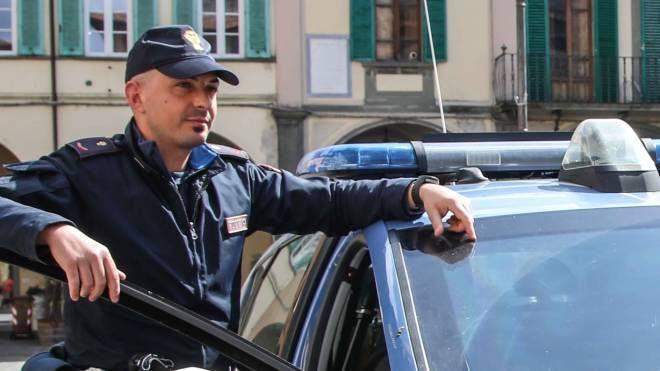TENSIONE La volante della polizia è intervenuta per riportare la calma fra i due litiganti (foto d'archivio)