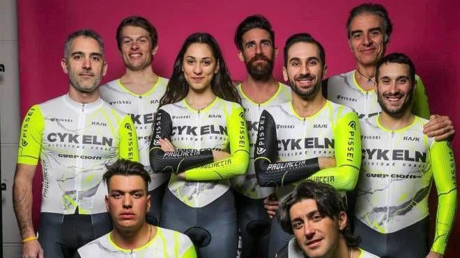 """Il gruppo Fixed della Cykeln, nella foto di Massimo """"Piacca"""" Bacci, che ringraziamo"""