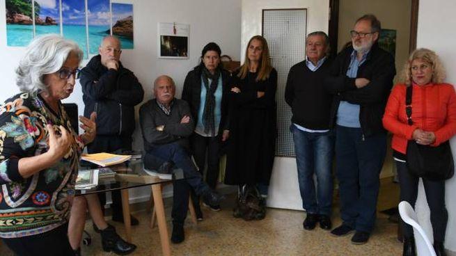 I partecipanti all'incontro durante il quale è stato presentato l'esposto