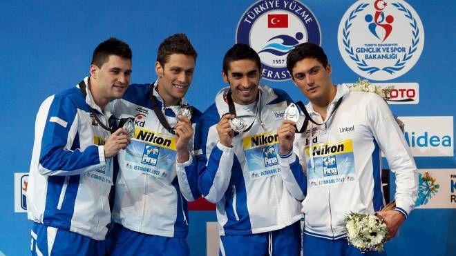 Michele Santucci primo da destra