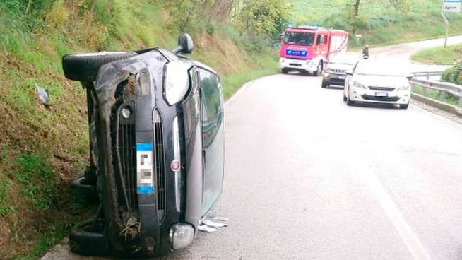 Incidente a Fermo, ragazza ferita (Foto Zeppilli)