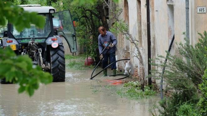 Emilia Romagna, dopo piene e allagamenti migliora il meteo (Frasca)
