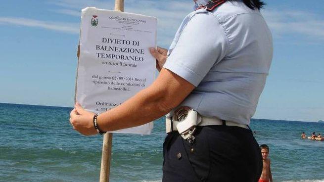 Scatta il primo divieto di balneazione sul litorale apuano