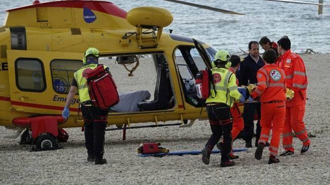 L'incidente a Lido Tre Archi, rimasto coinvolto un bambino (foto Zeppilli)