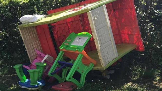 Per gli atti di vandalismo si sospetta una banda di ragazzini