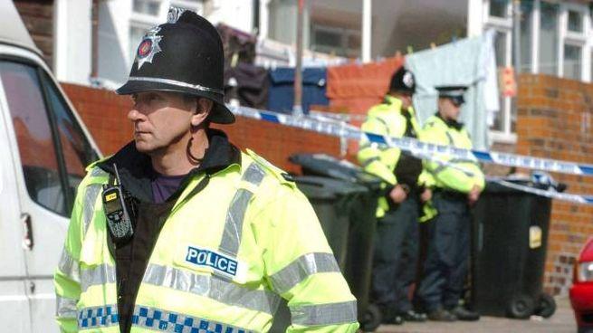 La polizia londinese al lavoro per scoprire le cause della morte di Erik Sanfilippo