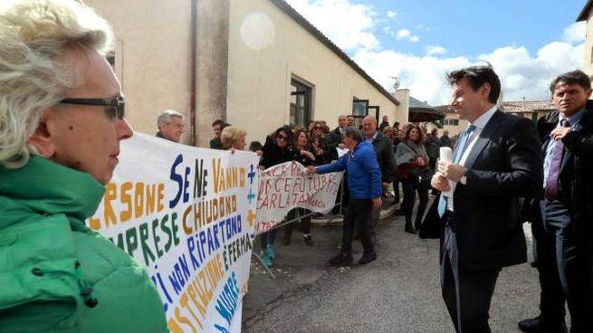 Il presidente del Consiglio Conte a Norcia (foto Stefano Preziotti)
