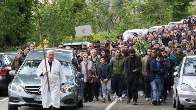 Folla al funerale di Marco Somigli (foto Germogli)