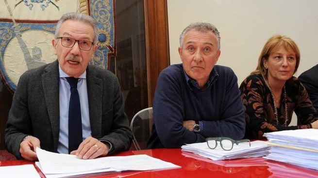 Il sindaco Gianbattista Fratus, il suo vice Maurizio Cozzi e l'assessore Chiara Lazzarini