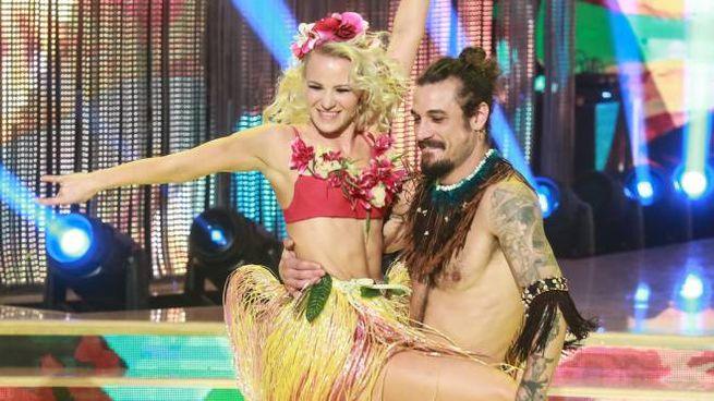 Osvaldo e Veera Kinnunen a Ballando con le Stelle (Lapresse)
