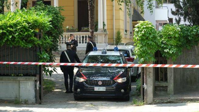 Carabinieri sul luogo del delitto (Spf)
