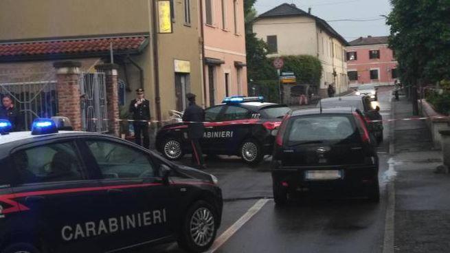 Carabinieri sul luogo dell'agguato a Tavazzano