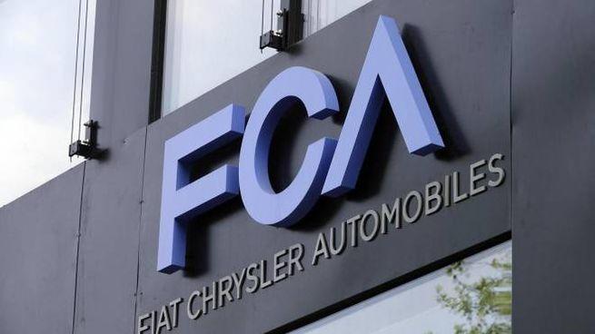 Il logo di Fca (Ansa)