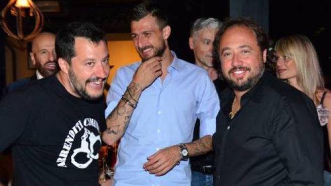 Matteo Salvini a sinistra, Massimo Casanova a destra.