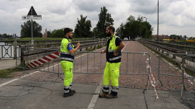 Modena, allerta meteo rossa: chiuso il Ponte Alto (FotoFiocchi)
