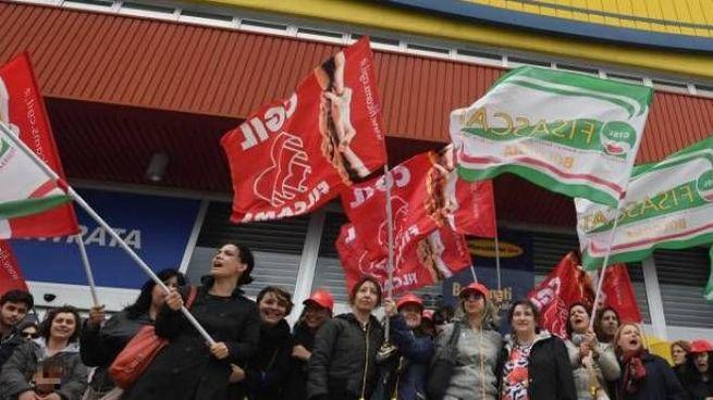 Mercatone Uno, una protesta dei dipendenti (FotoSchicchi)