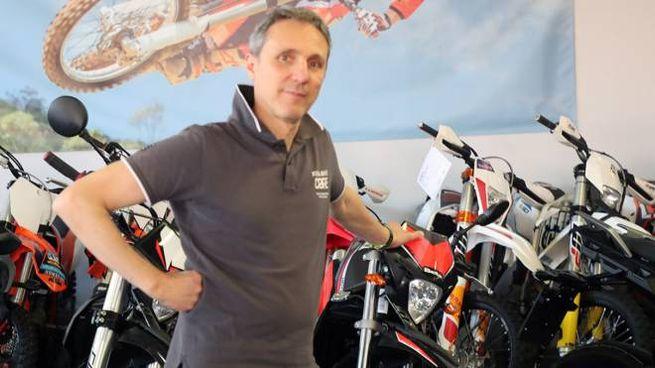 Sauro Ferri, titolare del negozio Ktm (Isolapress)