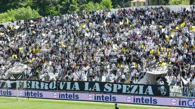 La curva dello stadio Alberto Picco